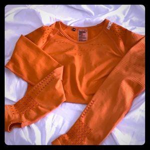 NWOT Flawless Knit long sleeve crop burnt orange